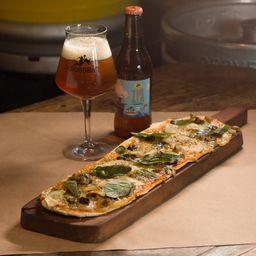 Pizza Queso azul + 1 IPA 330cc