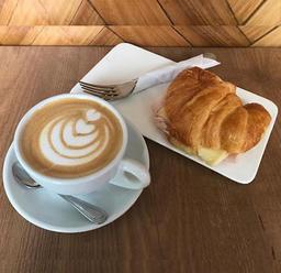Cappuccino & Croissant