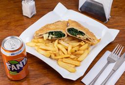 Empanada Espinaca a la Crema, Nuez, Queso + Papas + Bebida