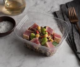 Quinoa de tres colores con atún sellado