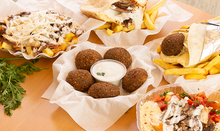 Logo Tawil Shawarma & Falafel