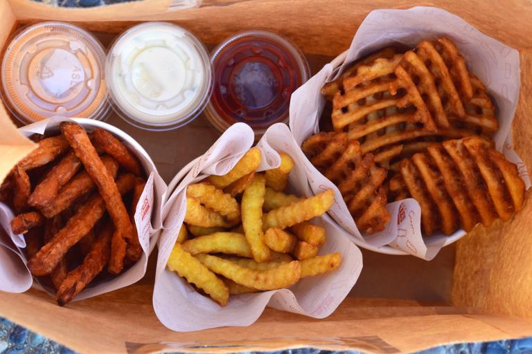 Logo Fries and Bites
